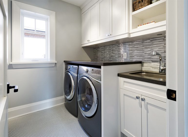 Dundurn Laundry room by Mather Fine Homes